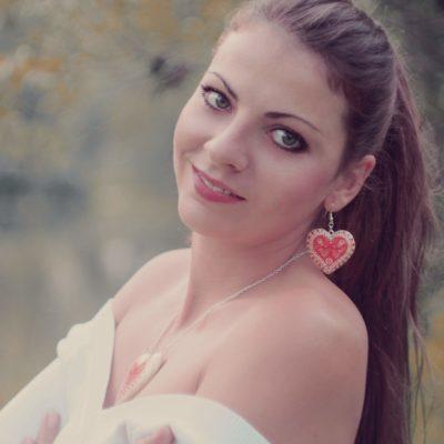 Drevené náušnice - Srdce Folk motív