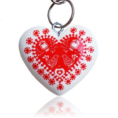 Drevený prívesok na kabelku – Folk motív srdce