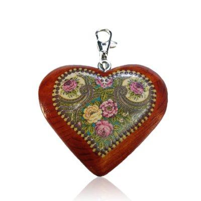 Drevený prívesok na kabelku - mahagón srdce Folkový motív