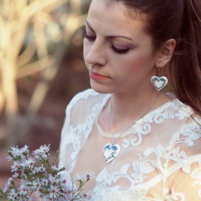Drevené šperky Náušnice, náhrdelník lesné fialky
