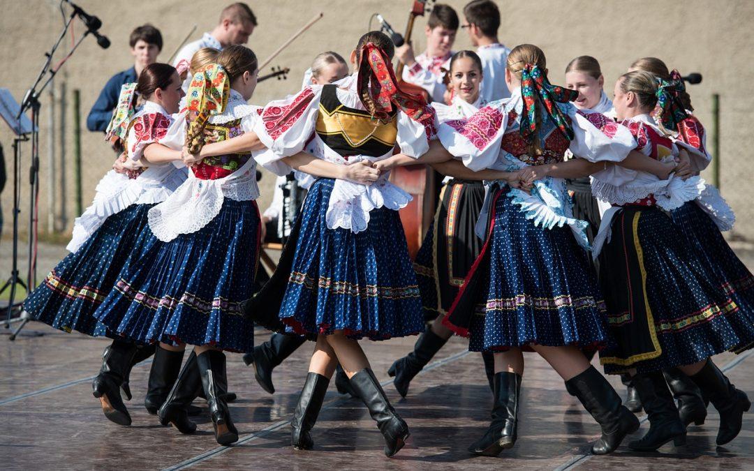 Naša krajina má bohaté kultúrne tradície.
