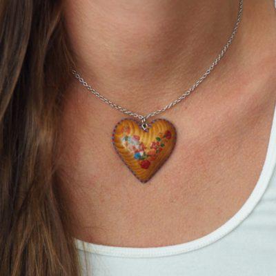 Drevený náhrdelník - Srdce vidiek na koži