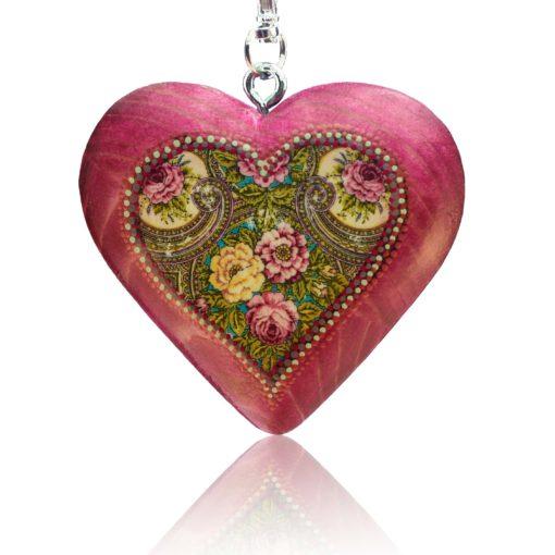 Drevený prívesok na kabelku – ružové srdce Folkový motív