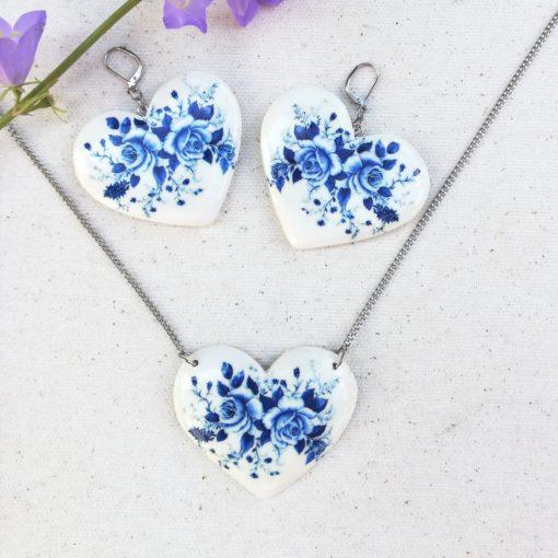 Drevené šperky náušnice, náhrdelník kytica modrých kvetov