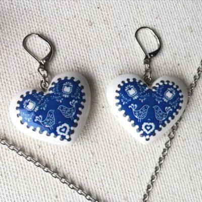 Drevené náušnice Srdce Folk motív modré