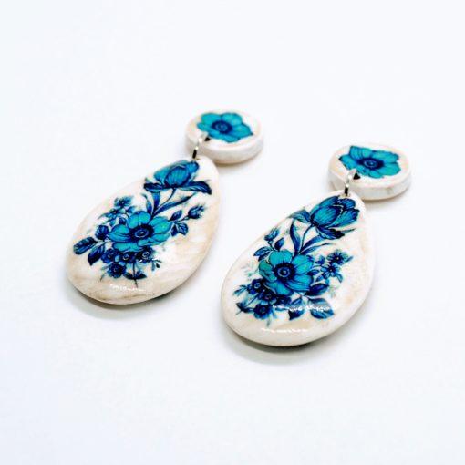 Drevené náušnice slza modré kvety