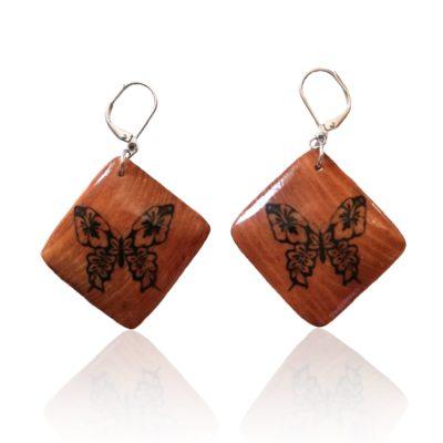 Drevené náušnice Motýľ škoricová farba