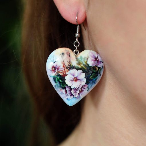 Drevené náušnice Netýkavky srdce