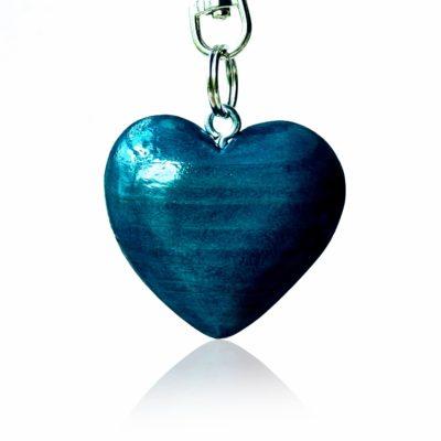 Drevený prívesok na kabelku Srdce morené modro-tyrkysové