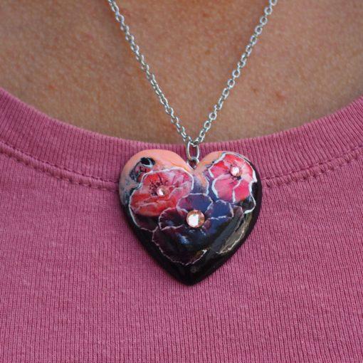 Drevený náhrdelníkKvety Dália Srdce